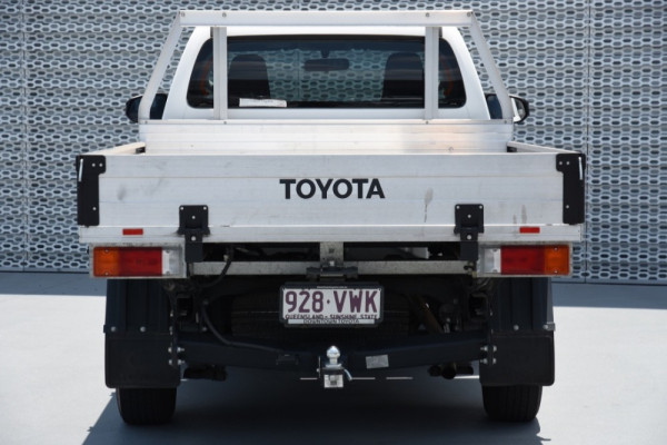 2015 Toyota HiLux TGN121R Workmate Image 4