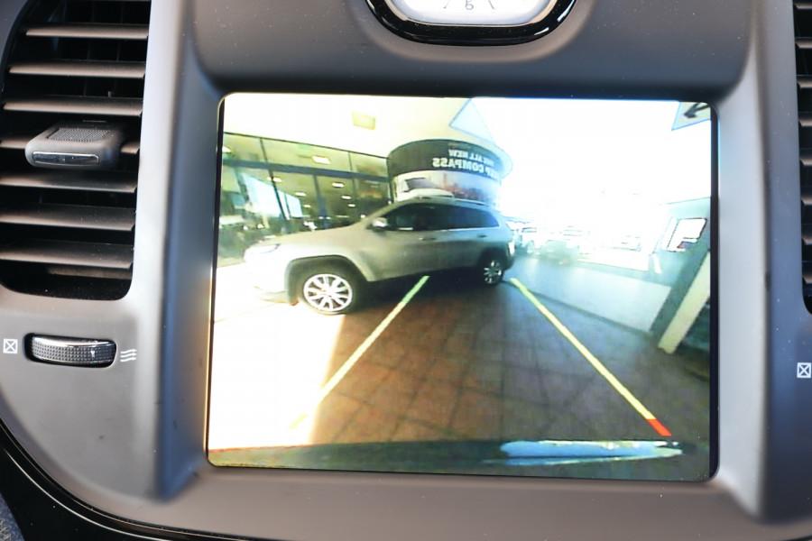 2019 Chrysler 300 LX SRT Core Sedan Image 18