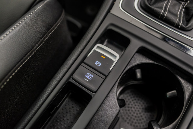 2016 Volkswagen Golf 7 R Hatchback Image 29