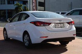 2015 Hyundai Elantra MD3 Active Sedan Image 3