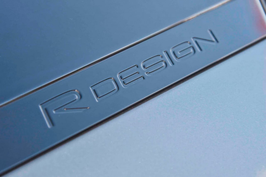 2019 [SOLD]    Mobile Image 12