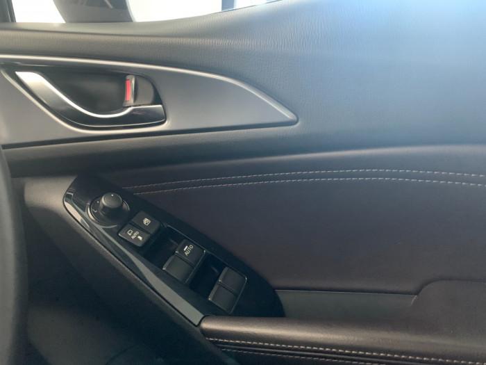 2016 Mazda 3 BM5438 SP25 Hatchback Image 22