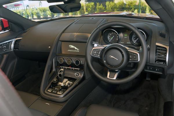 2019 MY19.5 Jaguar F-TYPE X152 R-Dynamic Convertible Convertible