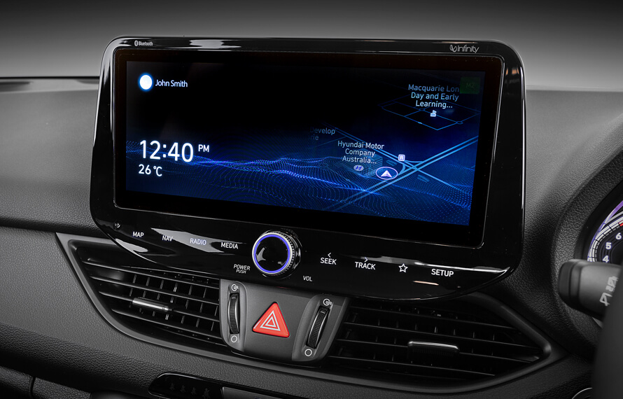 i30 Hatch Stunning digital display.