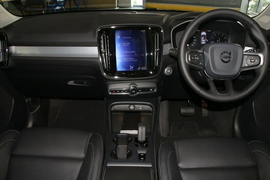 2020 Volvo Xc40 (No Series) MY20 T4 Momentum Suv Image 3
