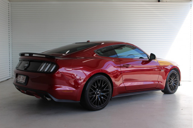 2017 Ford Mustang 2017 Coupe Image 2