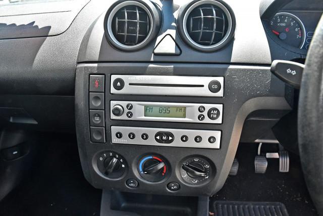 2005 Ford Fiesta WP LX Hatchback Image 15
