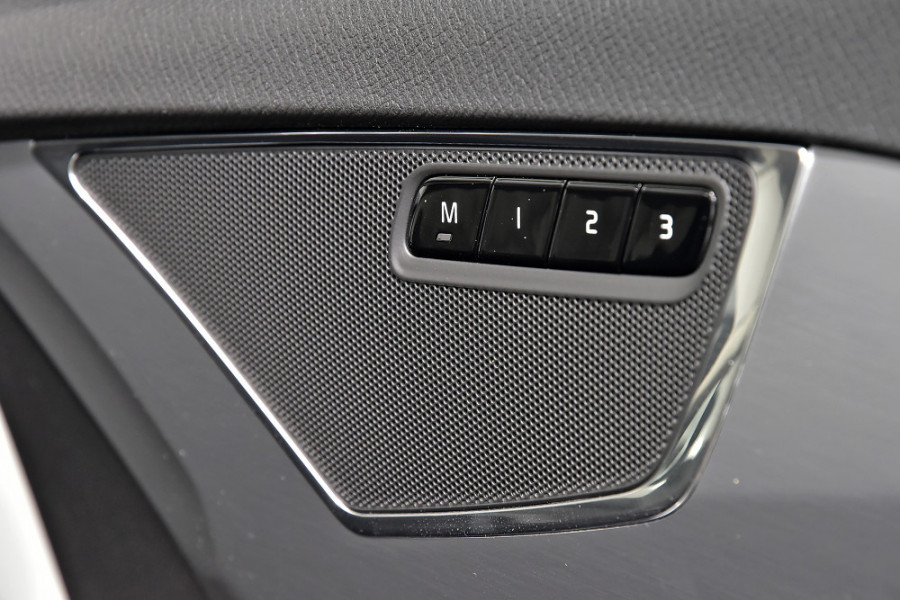 2019 Volvo XC90 L Series T6 Momentum Suv Mobile Image 22