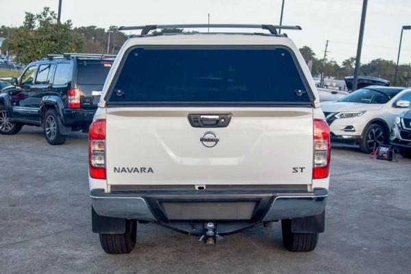 2017 Nissan Navara D23 Series II ST (4x4) Dual cab utility Image 4