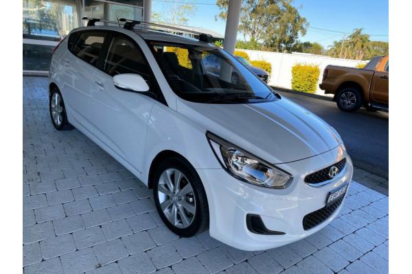 2019 Hyundai Accent Sport Hatchback Image 4