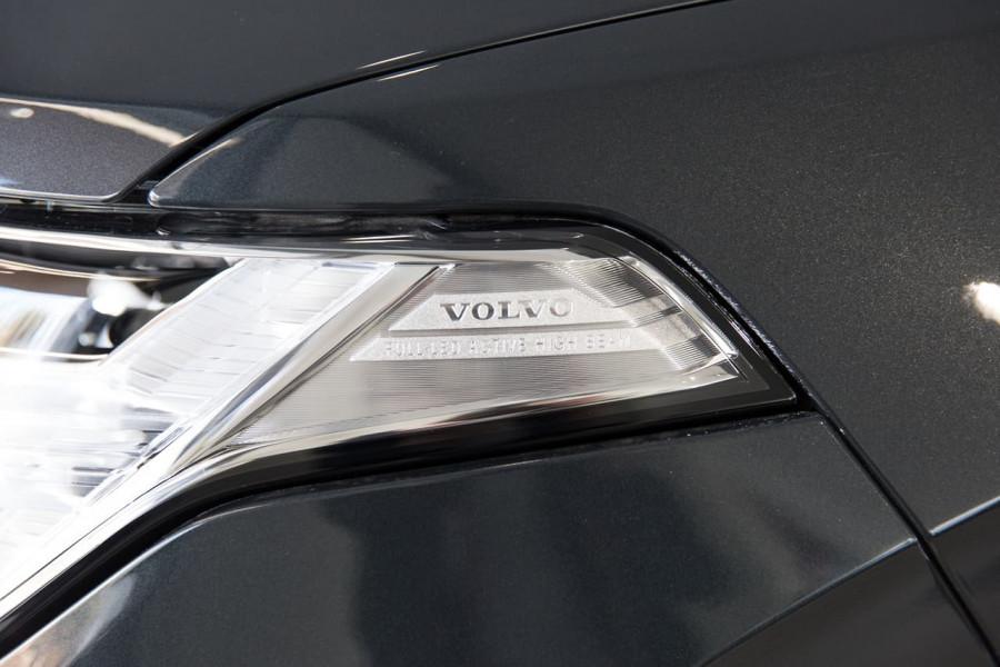 2020 Volvo XC90 L Series D5 R-Design Suv Image 12