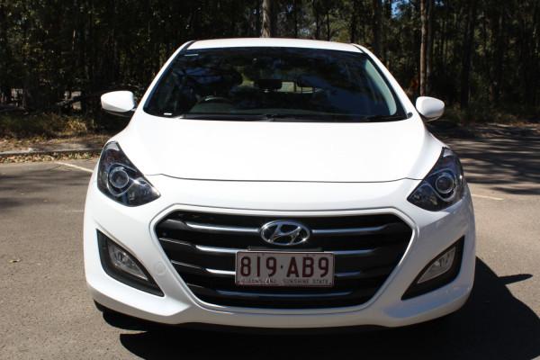 2015 MY16 Hyundai I30 Hatchback Image 3