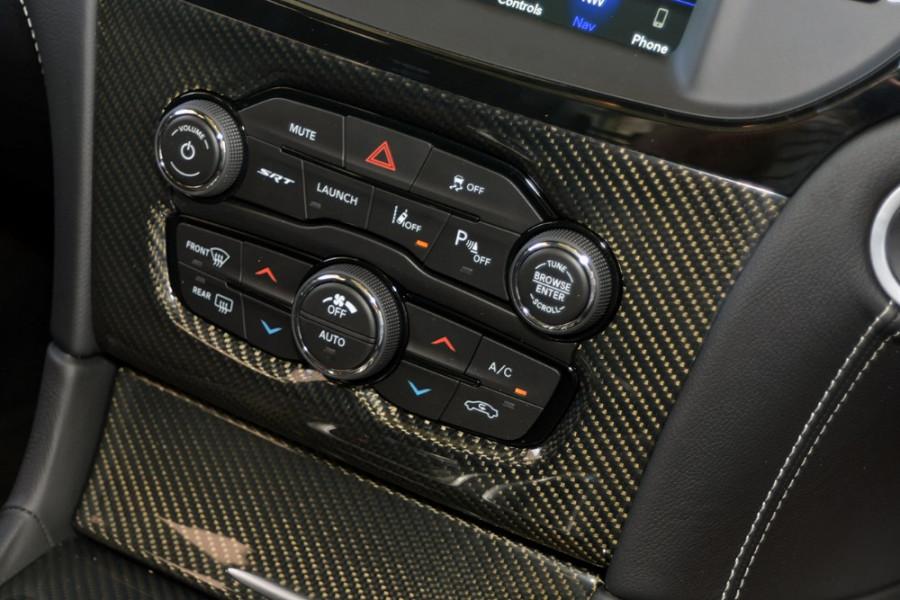 2018 MY19 Chrysler 300 SRT LX SRT Sedan Mobile Image 13