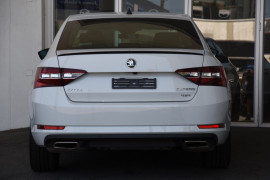 2018 MY18.5 Skoda Superb NP MY18.5 206TSI Sedan Image 4