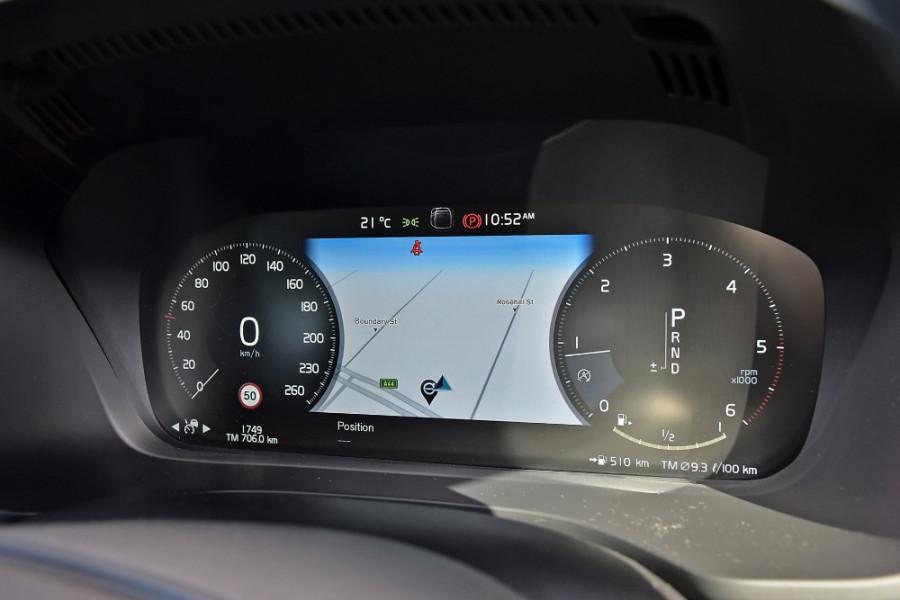2019 Volvo XC60 UZ D4 Momentum Suv Mobile Image 13