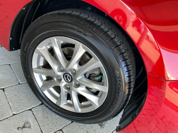 2017 Mazda 3 Maxx Hatchback Image 5
