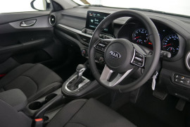 2019 MY20 Kia Cerato Hatch BD S with Safety Pack Hatchback Image 5