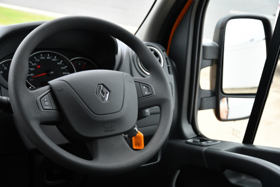 2019 Renault Master Cab Chassis X62 Dual Cab Dual cab Image 9