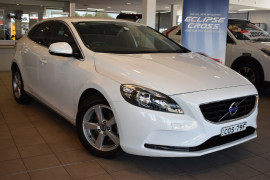 Volvo V40 D2 - Kinetic M Series  D2