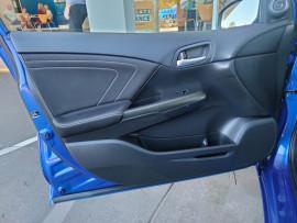 2015 Honda Civic 9th Gen Series II VTi-S Hatchback image 33