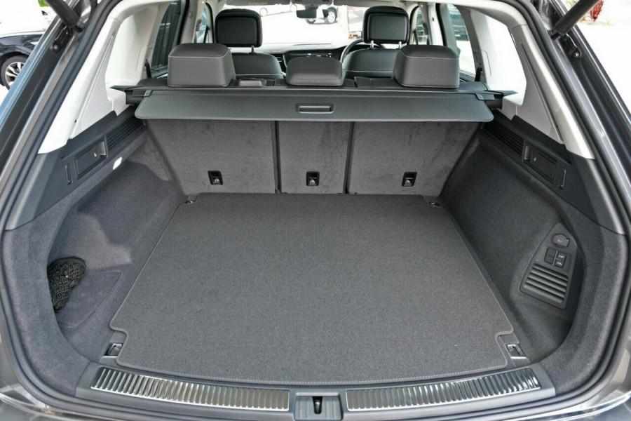 2020 Volkswagen Touareg CR 190TDI Premium Suv Image 16