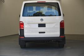 2019 Volkswagen Transporter T6 SWB Van Normal Roof Van Image 4