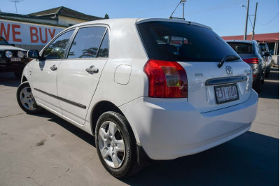 2004 Toyota Corolla ZZE122R Ascent Hatchback Image 4