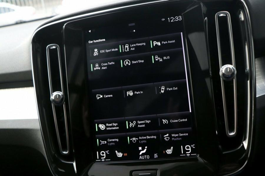 2019 Volvo XC40 Suv Image 14