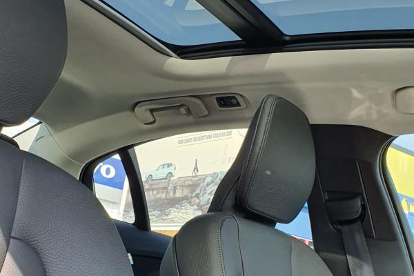 2019 MY20 Volvo S60 Z Series  T5 Momentum Sedan Image 2