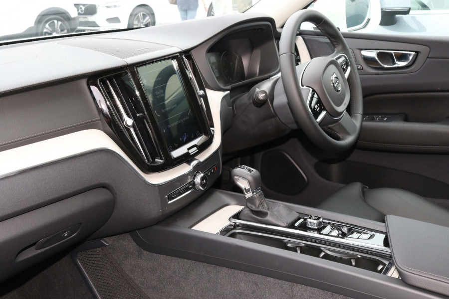 2020 Volvo XC60 UZ T5 Inscription Suv Image 6