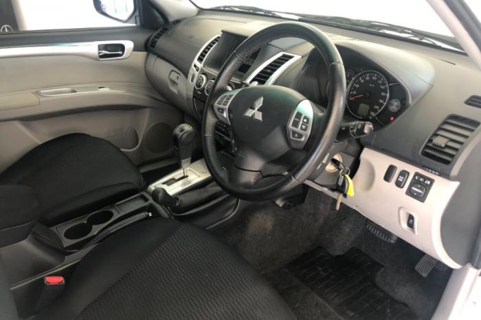 2013 Mitsubishi Challenger PB (KH) MY13 LS Wagon Image 13