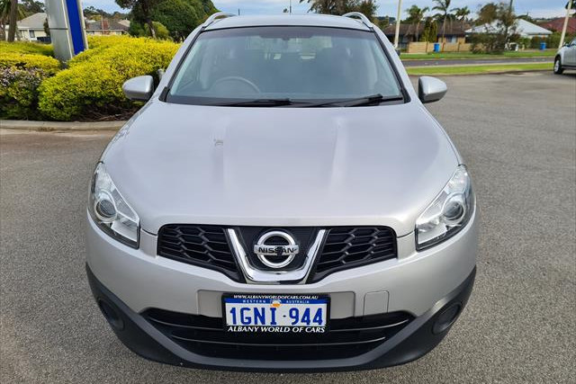 2014 MY13 Nissan DUALIS J107 Series 4  +2 +2 - ST Hatchback Image 2