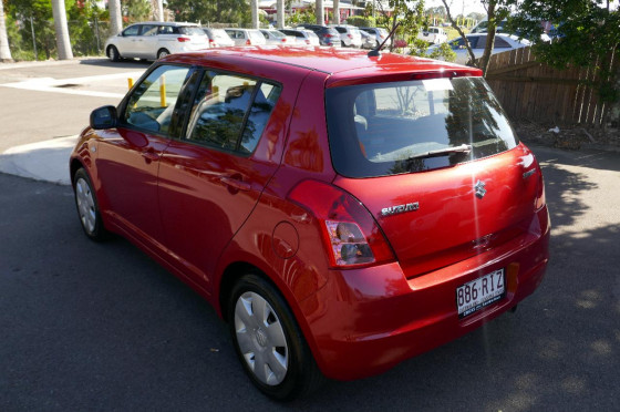 2010 Suzuki Swift RS Hatchback Hatchback