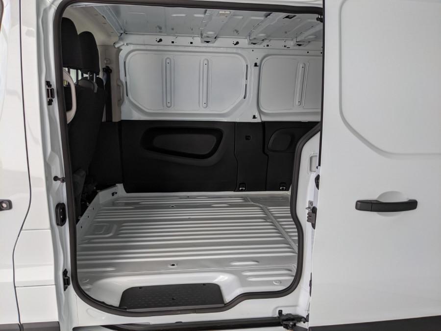 2021 Renault Trafic L2H1 LWB Pro Van Image 3