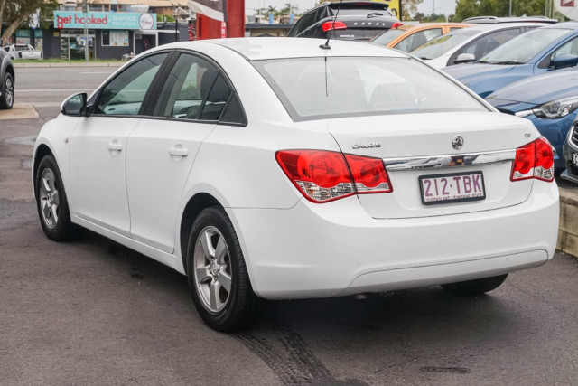 2010 Holden Cruze JG CD Sedan Image 2