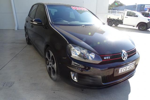 2010 Volkswagen Golf GTI 1 of 24