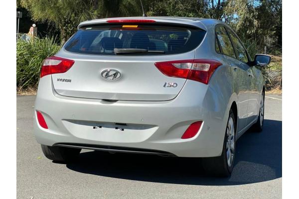2012 Hyundai i30 GD Active Hatchback Image 5