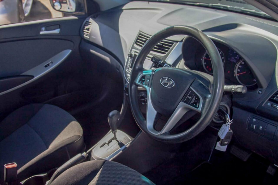 2013 Hyundai Accent RB2 Active Hatchback Image 6