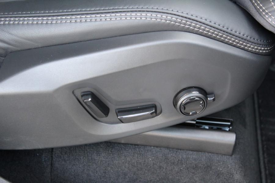 2018 MY19 Volvo XC90 L Series D5 Momentum Suv Mobile Image 20