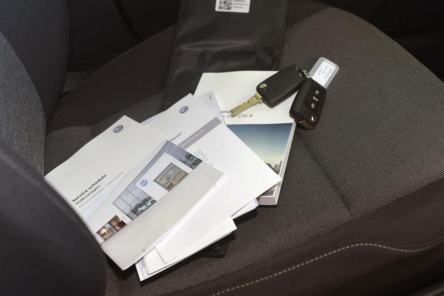 2017 Volkswagen Golf 7 92TSI Hatchback Mobile Image 13