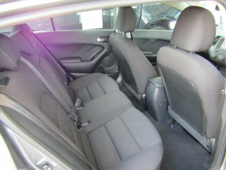 2015 Kia Cerato YD S Premium Hatchback image 19