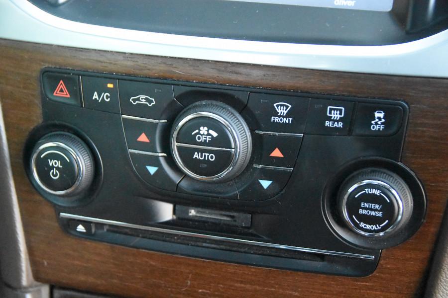 2014 Chrysler 300 LX C Sedan Image 14