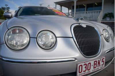 2004 Jaguar S-type X202 SE Sedan Image 5