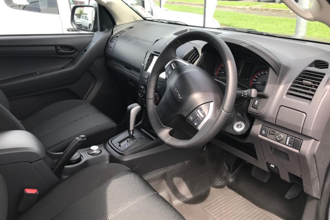 2018 Isuzu UTE D-MAX -- 4x4 SX Space Cab Chassis Space cab