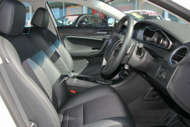 2017 MG MG6 PLUS IP2X Excite Hatchback