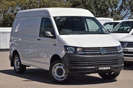 Volkswagen Transporter SWB Van Medium Roof T6