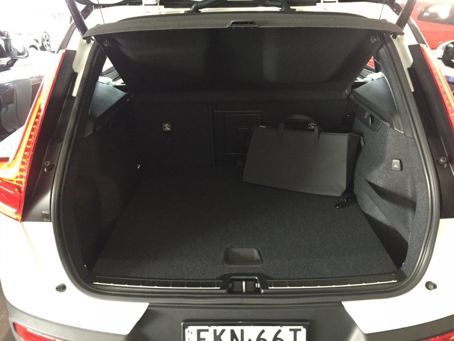 2020 MY21 Volvo XC40 XZ T5 Recharge PHEV Suv Image 9