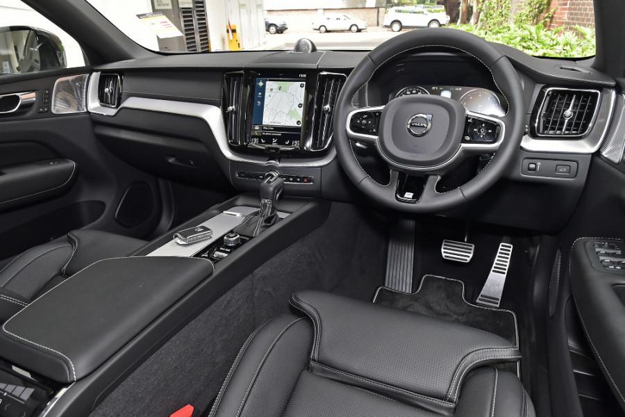 2020 Volvo XC60 UZ T6 R-Design Suv Mobile Image 8