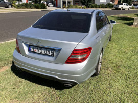 2011 Mercedes-Benz C-class W204 C300 BlueEFFICIENCY Sedan