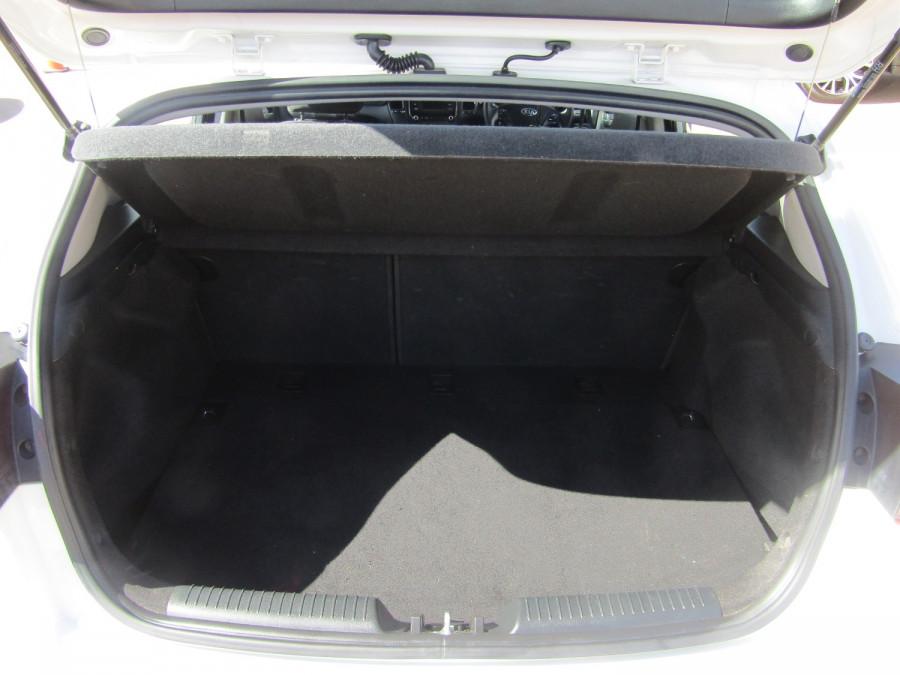 2018 Kia Cerato YD S Hatchback Image 15